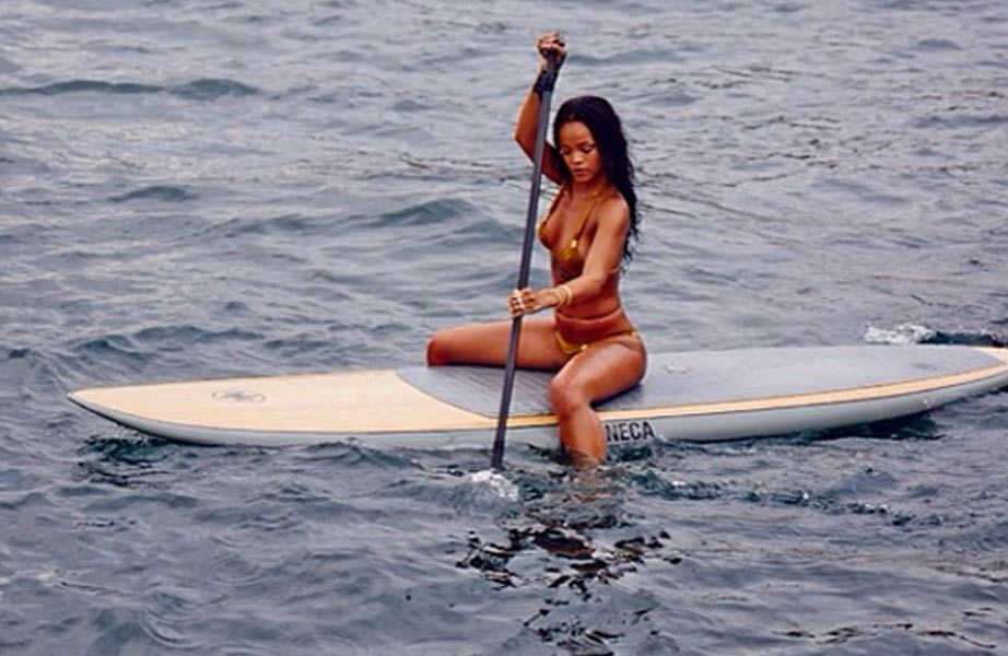 rihanna-neca-stand-up-paddle