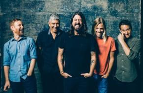 "Foo Fighters se apresenta no ""Saturday Night Live"" neste sábado (07)"