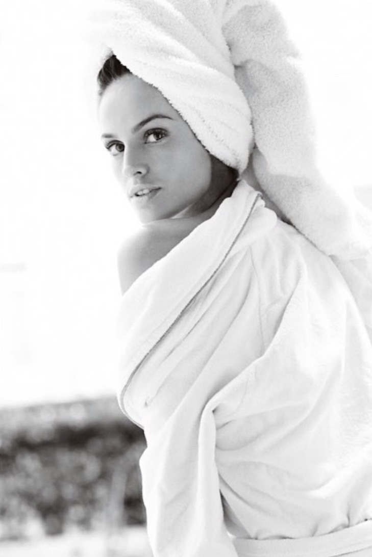 towel-series-izabel-goulart
