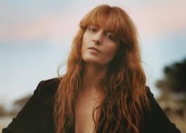 Florence + The Machine lança música para a trilha de novo filme do Tim Burton; ouça