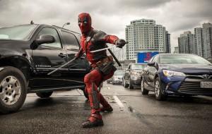 """""""Deadpool"""": Ryan Reynolds como o anti-herói em novas imagens do filme"""