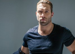 25 dicas para nunca mais confundir o gato do Jai Courtney com o lindo do Tom Hardy