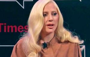 """Lady Gaga desabafa sobre abuso sexual aos 19 anos: """"Isso mexeu com a minha vida"""""""