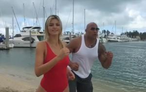 "Kelly Rohrbach vai assumir papel de Pamela Anderson no remake de ""Baywatch"""