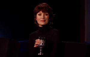 Lena Headey encarna a Cersei para ler insultos de um reality show na TV