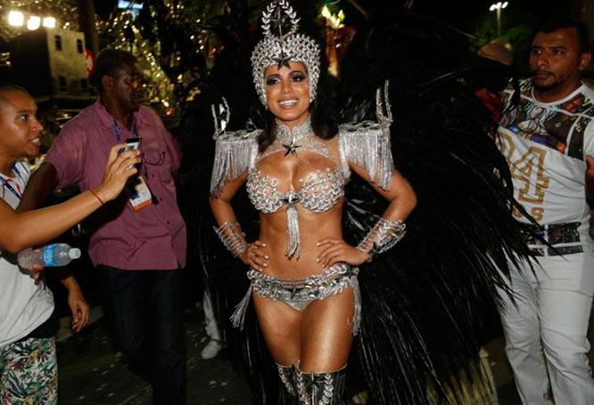 anitta-carnaval02