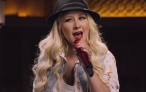 """James Corden dá detalhes sobre """"Carpool"""" com Christina Aguilera"""