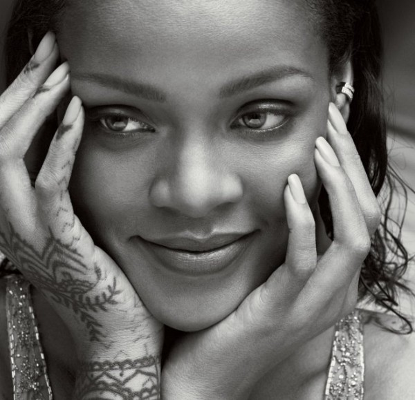 Rihanna-Vogue_abril (4)