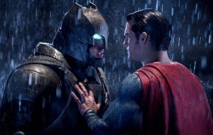 """""""Batman Vs Superman"""" é um ótimo filme de super-heróis tanto para geeks quanto para leigos"""