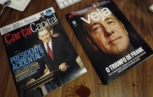 """Ação da Netflix coloca Frank Underwood, de """"House of Cards"""", na capa de veículos brasileiros"""