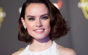 """Daisy Ridley está em negociações para viver Lara Croft em novo filme do """"Tomb Raider"""""""