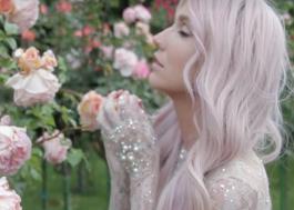 """""""É uma benção Zedd ter me dado a oportunidade de gravar a música"""", diz Kesha sobre True Colors"""