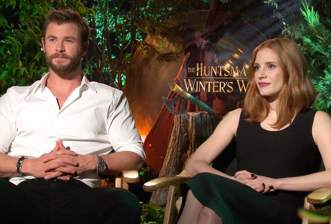 chris-hemsworth-jessica-chastain-pp