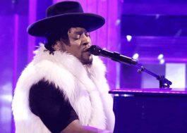 D'Angelo faz tributo emocionante a Prince no programa do Jimmy Fallon