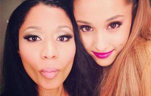 """Ariana Grande e Nicki Minaj juntas de novo na música """"Side To Side""""; ouça"""