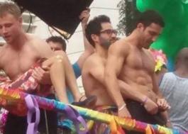 """Rolou muita pegação entre os """"Sense8"""" na Parada LGBT! Vem ver os vídeos!"""