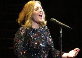 Adele esquece letra de música e tem reação hilária durante show
