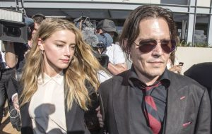 Amber Heard acusa Johnny Depp de violência doméstica