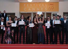 Atores e produtores brasileiros fazem protesto contra o impeachment no Festival de Cannes