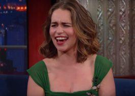 """Emília Clarke comemora nudez masculina em """"GoT"""": """"Me ouviram!"""""""