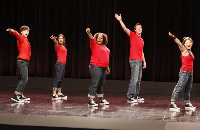 GLEE: Members of McKinley High's Glee Club perform in a special preview episode of GLEE airing Tuesdsay, May 19 (9:00-10:00 PM ET/PT) on FOX. Pictured L-R: Chris Colfer, Lea Michele, Amber Riley, Cory Monteith and Jenna Ushkowitz. ©2009 Fox Broadcasting Co. Cr: Carin Baer/FOX