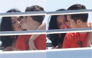 Katy Perry e Orlando Bloom são vistos aos beijos em Cannes