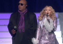 """Madonna diz que todos podem fazer tributo ao Prince: """"Não importa gênero, idade ou cor"""""""