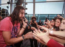 Magic! anima público brasileiro em show especial da Vevo; assista