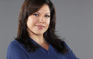 "Sara Ramirez, a Callie de ""Grey's Anatomy"", se declara bissexual em discurso"