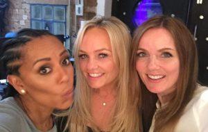 Três das Spice Girls gravando música em estúdio? Help!!!