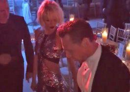 Taylor Swift e Tom Hiddleston em um épico duelo de dança no Met Gala 2016