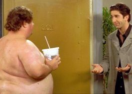 """Só agora descobriram quem era o vizinho peladão da série """"Friends""""!"""