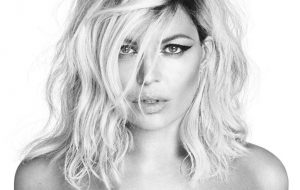 Fergie faz show na Parada LGBT de Nova York e anuncia novo single