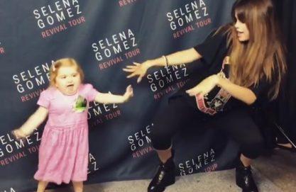 Selena sendo maravilhosa