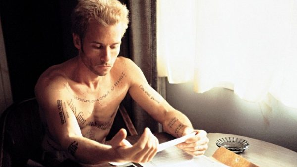 amnesia-memento-guy-pearce