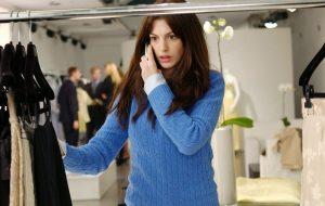 """Anne Hathaway comemora 10 anos de """"O Diabo Veste Prada"""": """"O filme que mudou minha vida"""""""
