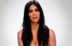 """Kim Kardashian recebe conselho da mãe para ligar para Taylor Swift e responde: """"Não vou aceitar"""""""