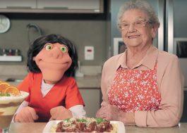 """Palmirinha invade TV de """"Orange Is The New Black"""" em promo hilária da Netflix"""