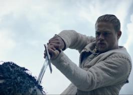 """Rei Arthur tem história repaginada em """"A Lenda da Espada"""""""