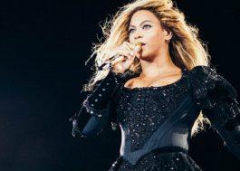 """Beyoncé canta a versão em espanhol de """"Irreplaceable"""" durante show em Barcelona"""