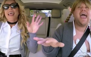 "Britney Spears canta hits e se solta no ""Carpool Karaoke"""