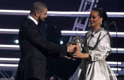 Drake se declara para RiRi no VMA