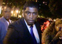 Sai, beyfã! Jay-Z empurra homem que queria tirar foto com Beyoncé