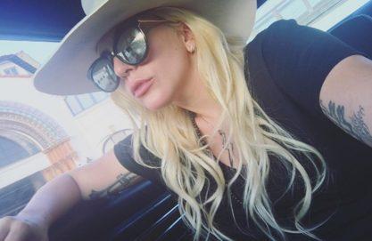 """Gaga tá filmando o clipe de """"Perfect Illusion""""?"""