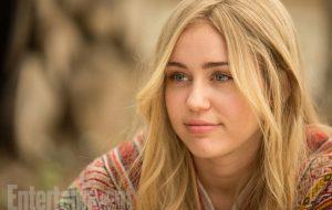 Miley Cyrus aparece pela primeira vez em fotos da nova série de Woody Allen