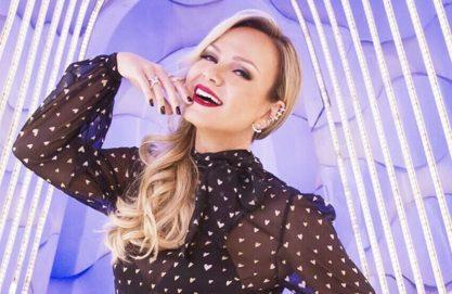 Eliana aparece dançando Britney Spears