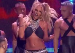 Oh My Godney! Vem ver a Britney Spears arrasando no iHeartRadio Music Festival