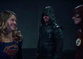 """Arrow"", ""The Flash"", ""Legends of Tomorrow"" e ""Supergirl"" se juntam em vídeo do crossover"