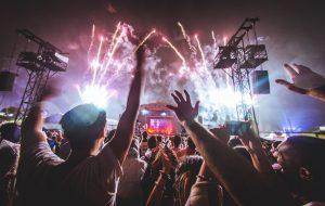 Você pagaria 400 reais num festival sem saber das atrações?