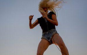 "Lady Gaga anuncia oficialmente: ""Perfect Illusion"" chega mesmo esta sexta!"